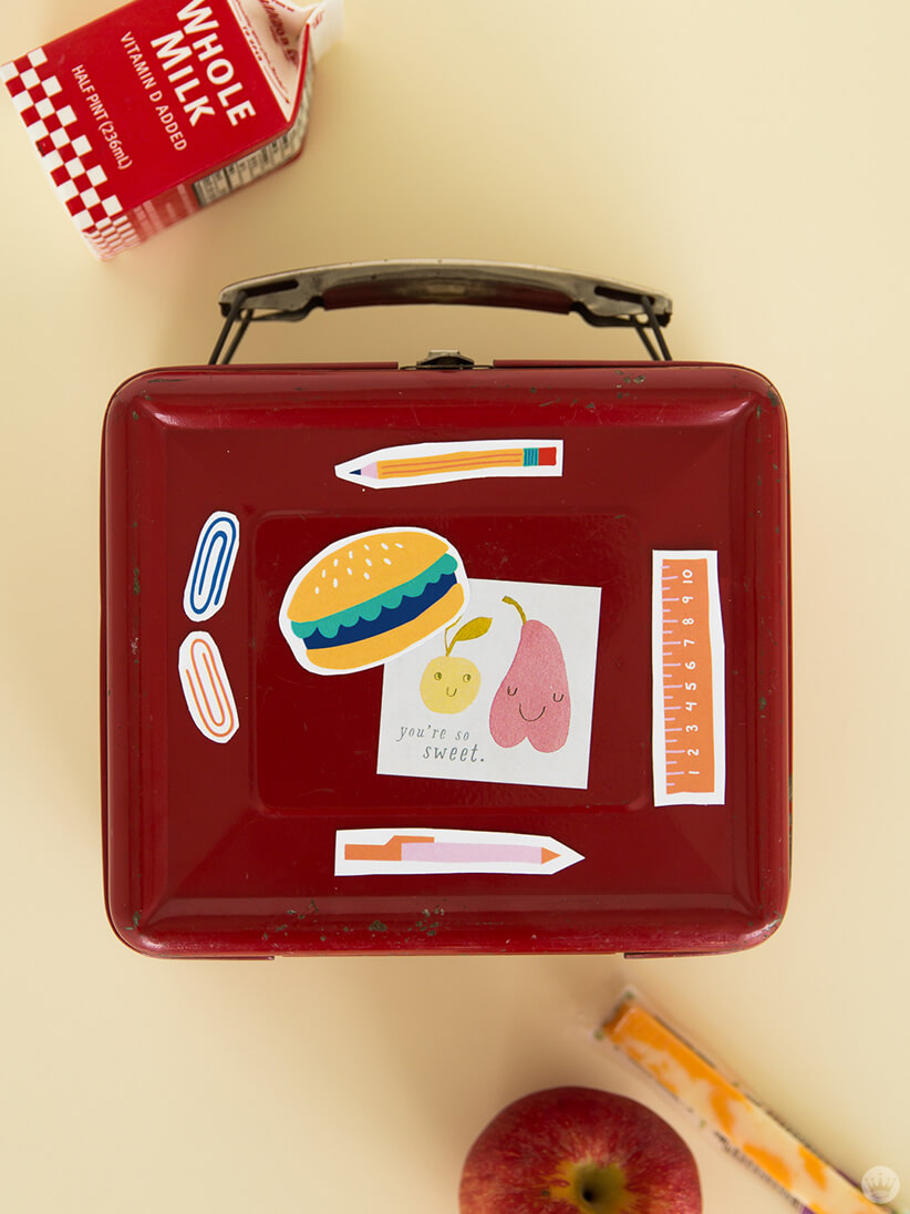 Back-to-School magnets on lunchbox with apple, milk, and cheese | thinkmakeshareblog.com