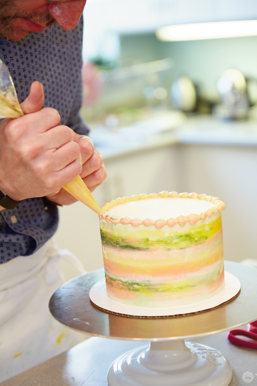 Cake decorating: 3 naked (and not-so-naked) cakes - Think.Make.Share.