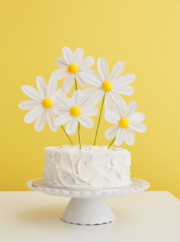 DIY daisy cake toppers for a spring chicks rule party