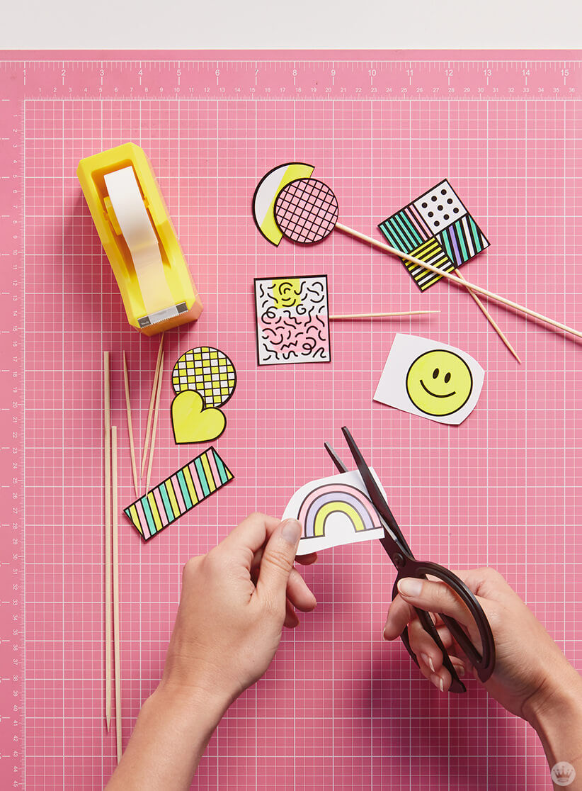 Retro cake and cupcake toppers