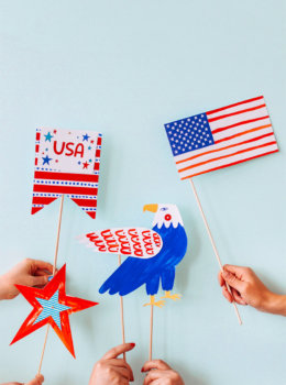DIY July 4th Photo Props for parades and picnics