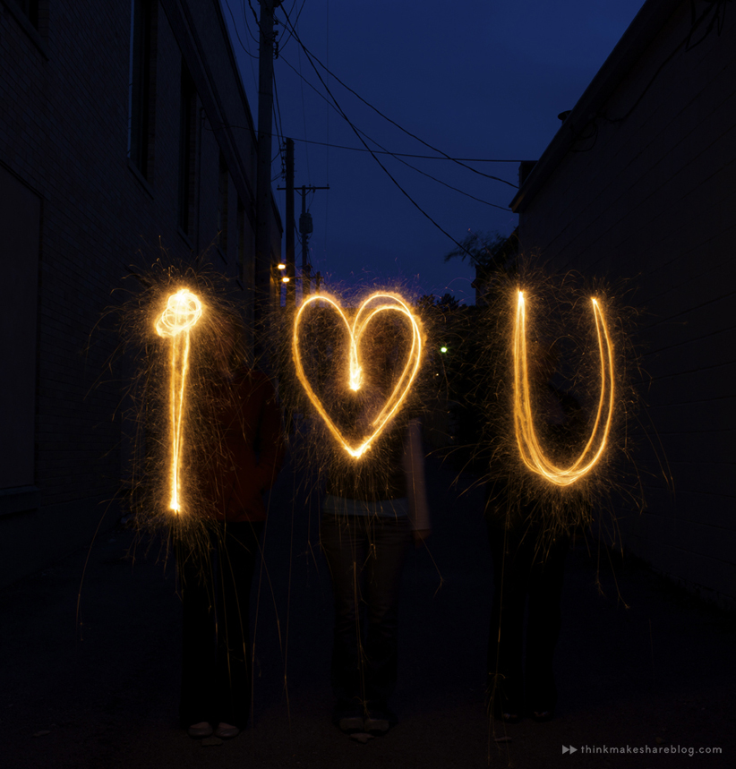 DIY Sparkler Photos | thinkmakeshareblog.com