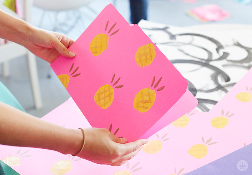 Make your own decorative file folders think make share for Create and decorate magazine free