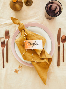Dip-dye Friendsgiving place cards
