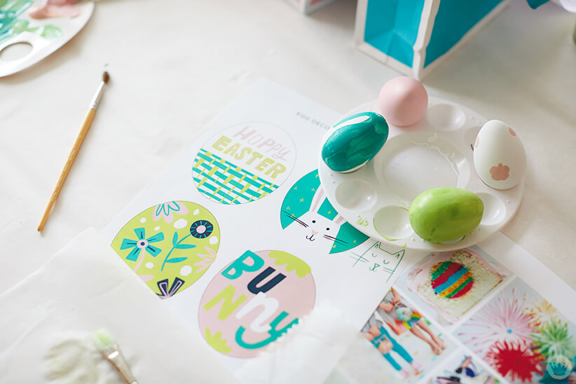 2018 Easter egg decorating: Printed designs and painted eggs