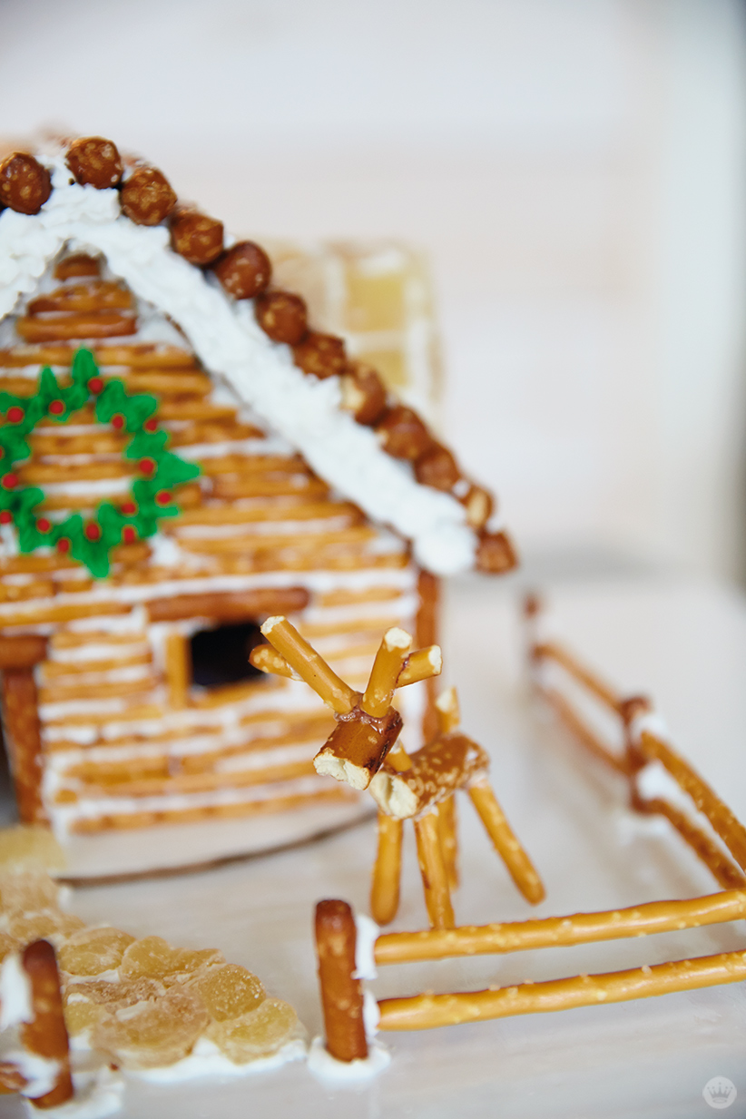 Gingerbread House Ideas | thinkmakeshareblog.com