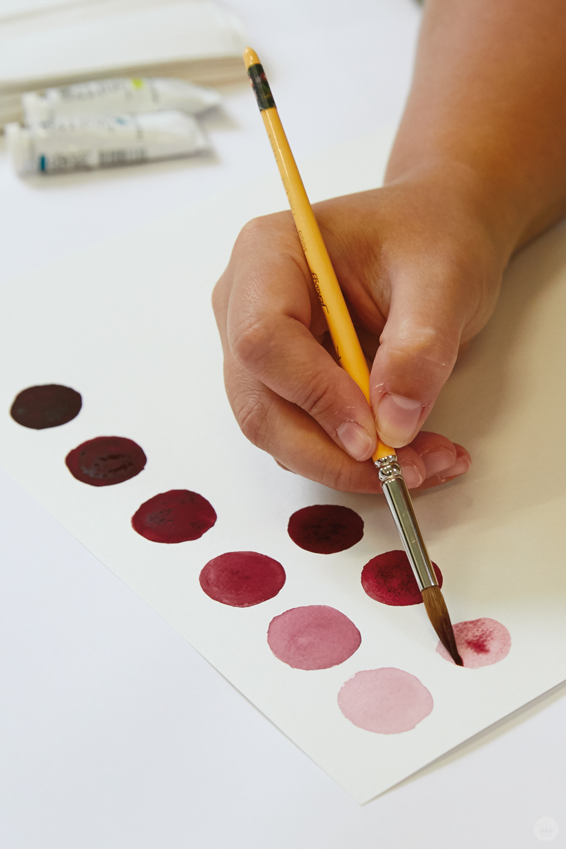 Gouache workshop: Painting circles in different shades