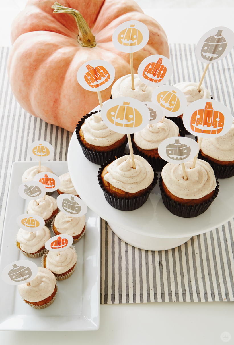 free halloween cupcake toppers (with pumpkin spice cupcake recipe