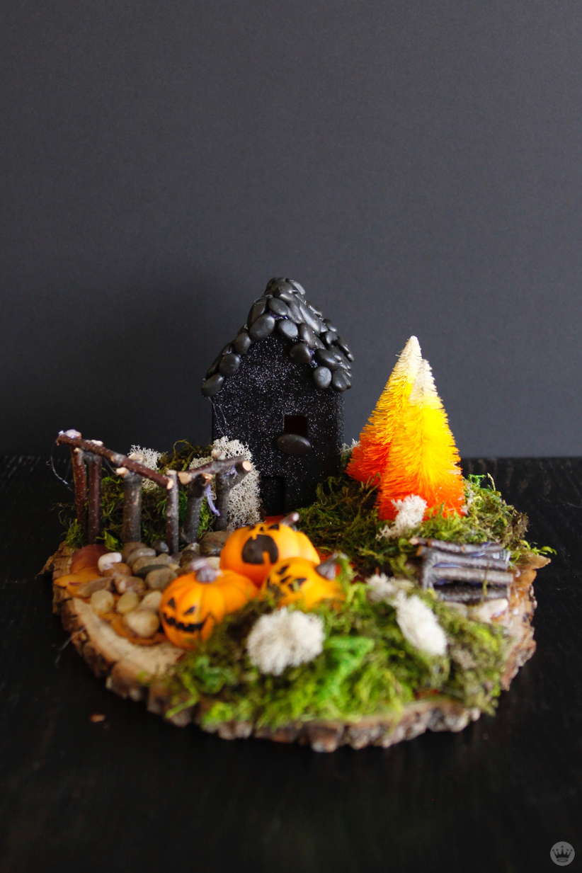 make your own halloween decorations miniature haunted houses miniature haunted house halloween decorations one story house black paint and pebbled roof