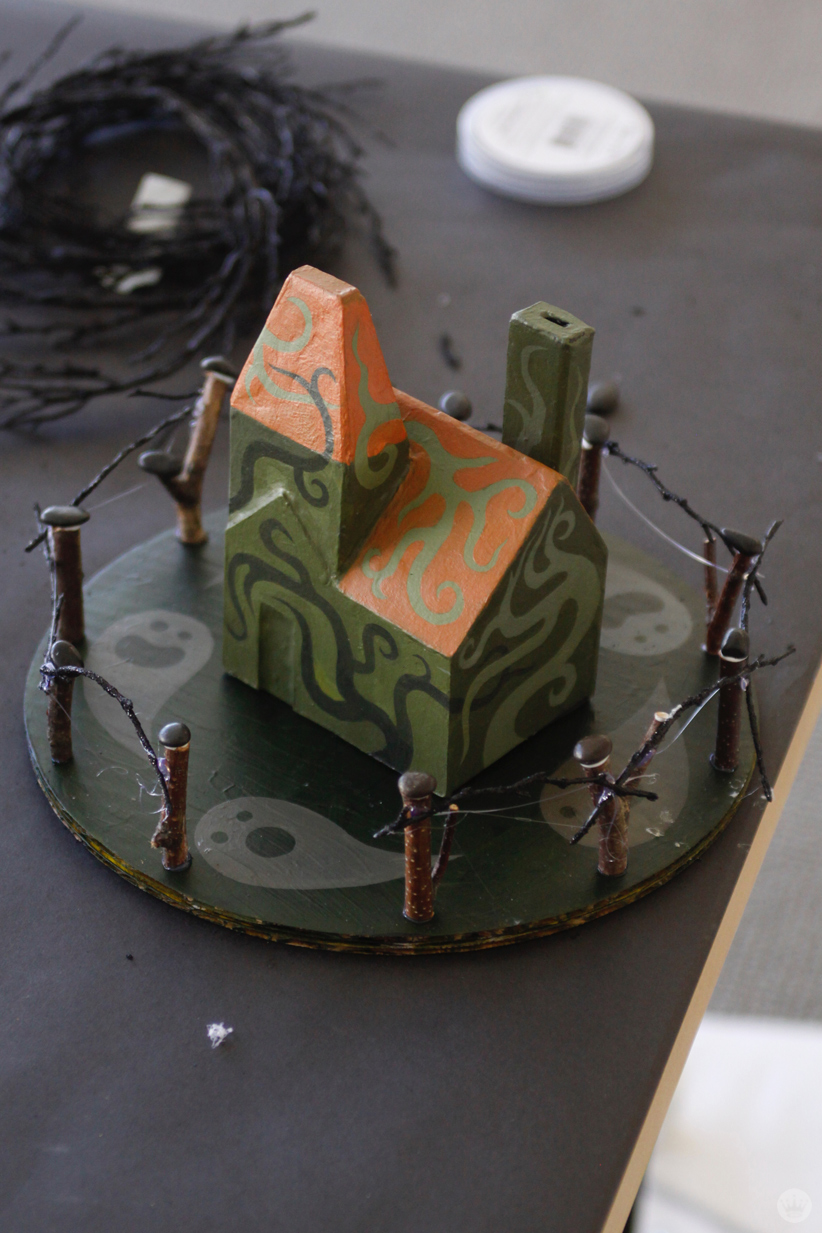 Make your own Halloween decorations: Miniature haunted houses ...