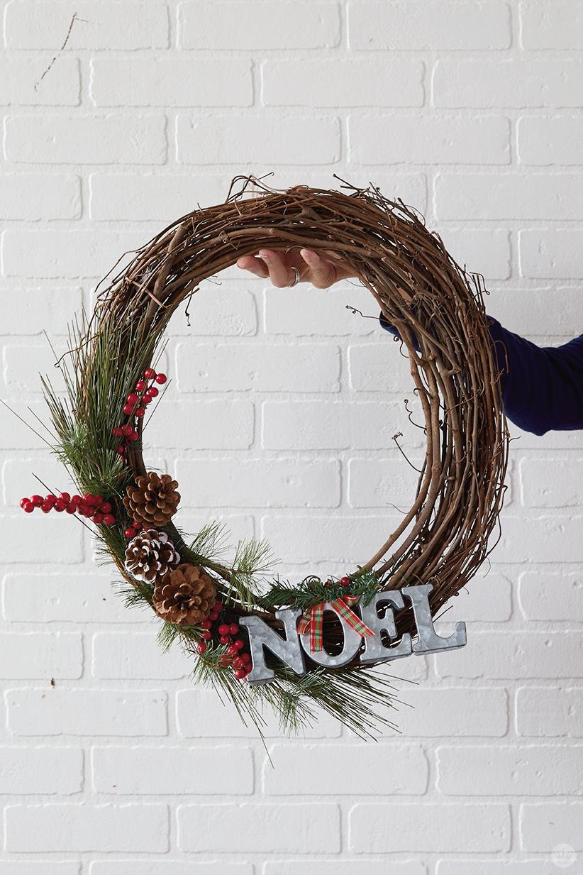 Modern Christmas wreath ideas: Fresh ways to welcome the holidays ...