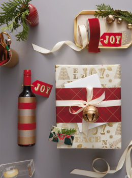 Hostess gift wrap ideas for wine, gift cards, and more