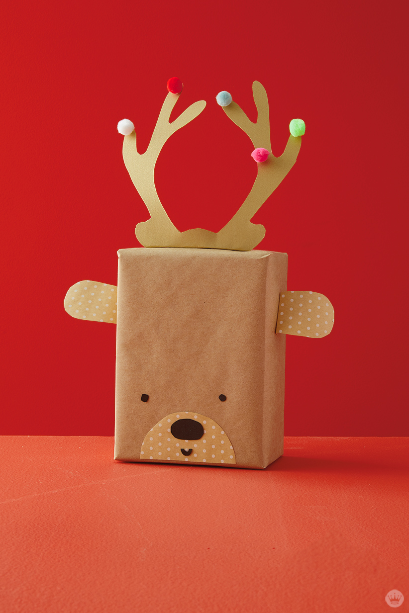 Kids Holiday gift wrap Ideas: Reindeer gift wrap