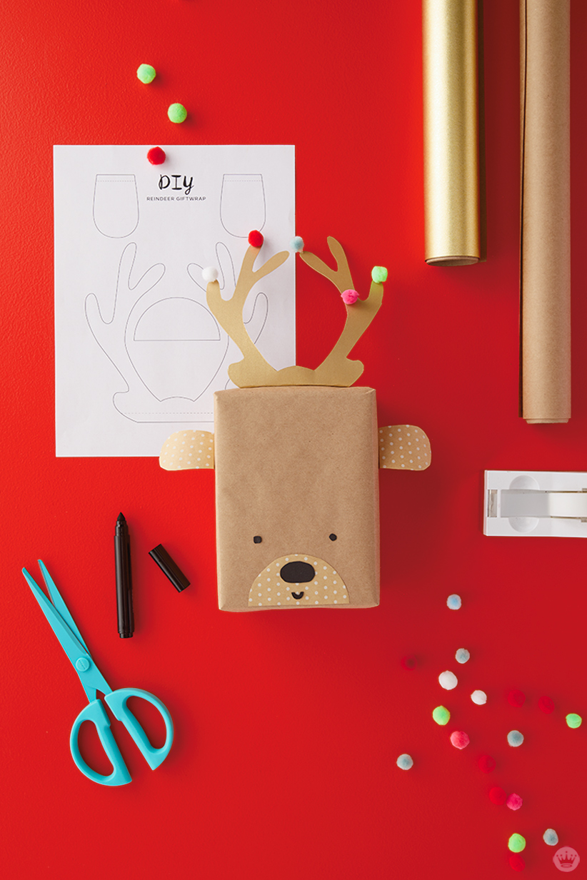 Kids Holiday gift wrap Ideas: Supplies for Reindeer wrap