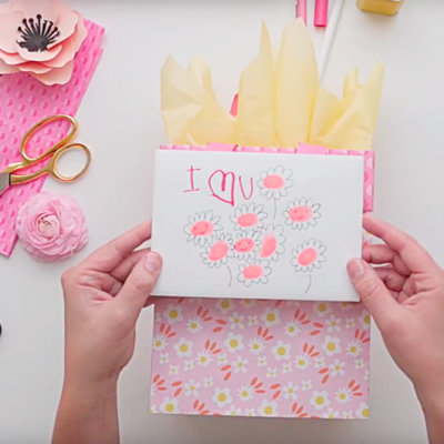 How to add flowers to a gift | thinkmakeshareblog.com