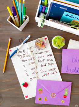 You've got hugs! Teaching kids to write letters