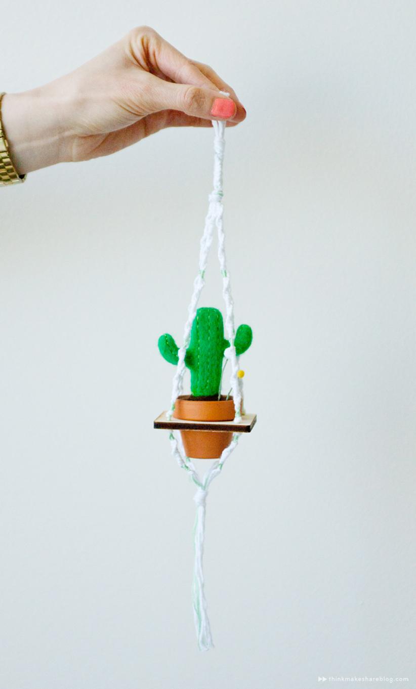 Potted cacti macrame by Hallmark designer Hannah Carey | thinkmakeshareblog.com