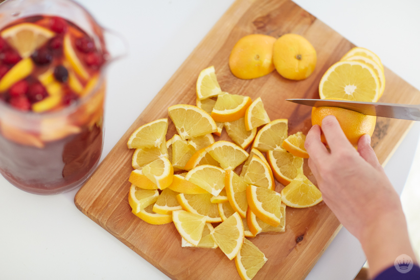 Sparkling Cranberry Orange Sangria from Gimme Some Oven | thinkmakeshareblog.com