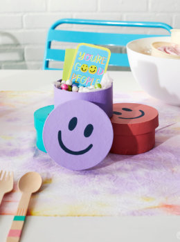 DIY Smiley Face Treat Boxes for a Summer Birthday Party