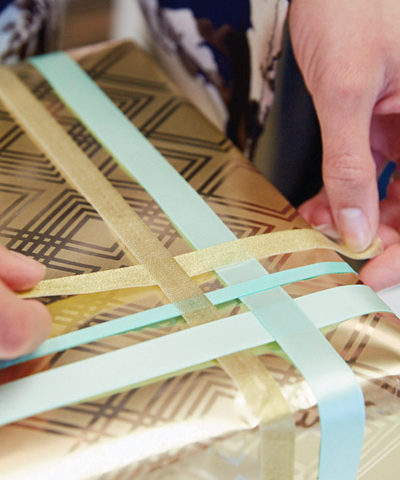 The Art of Giftwrap for Wedding Edition | thinkmakeshareblog.com