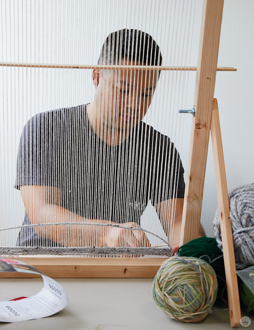 Weaving workshop: hallmark artists creates fiber art on large loom